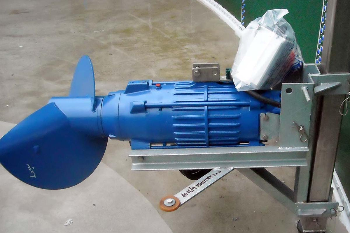 мешалка для перемешивания биомассы